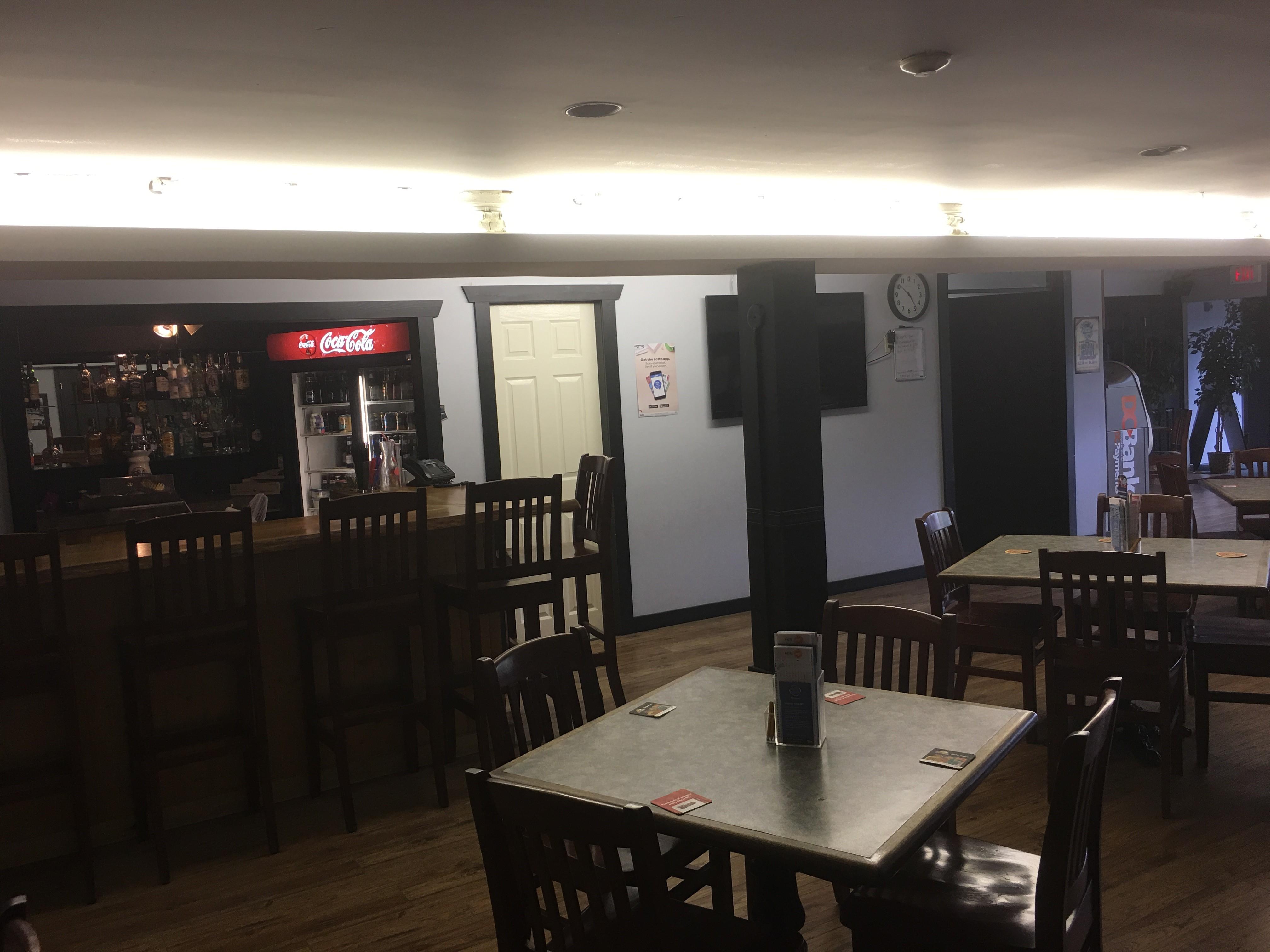 Creeker's Pub Ocean Marina Hotel